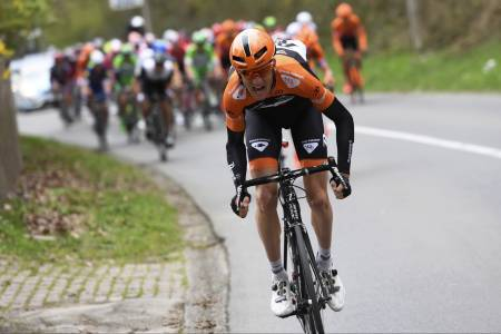 LØNN FOR STREVET: Alltid offensive Pieter Weening var i en egen klasse på dagens etappe. Foto: Cor Vos.