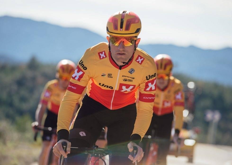 FØRSTE SEIER: Erlend Blikra var solid i spurten på den siste etappen av Tour de la Maribelle. Foto: Jan Brychta