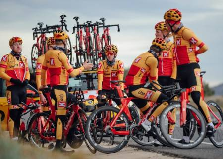 Uno-X Pro Cycling profflag proffsykling 2020 proteam world tour debut