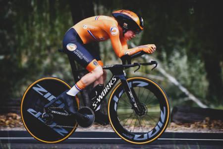 PÅ FJERDE FORSØK: Anna van der Breggen ble i dag verdensmester på tempo for kvinner. Seieren kom med en solid bismak. Foto: Cor Vos.