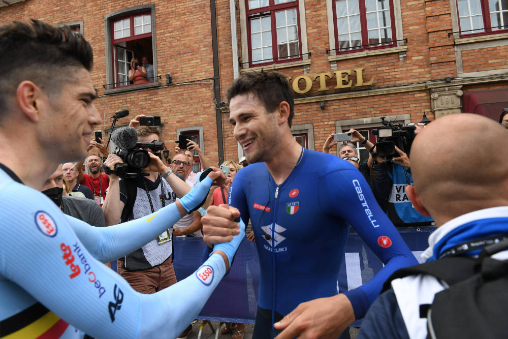 FORSVARTE TITTELEN: Wout van Aert klarte ikke å vippe Filippo Ganna av tronen som verdensmester på tempo. Foto: Cor Vos