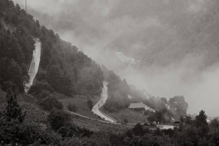 VILLT & VAKKERT: Spania kan friste med svært variert landskap, og noen av Europa's aller bratteste bakker - her fra Collada de la Gallina.
