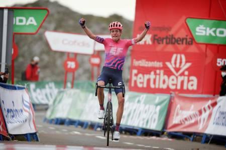 STOR SEIER: Hugh Carthy har vært i god form i årets Vuelta, i dag kom endelig belønningen etter mye sterk kjøring. Foto: Cor Vos.