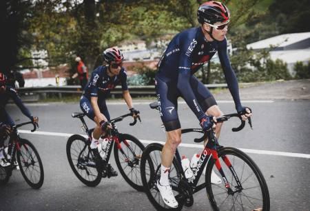 KJEMPESKRELL: Chris Froome tapte 11 minutter på den første etappen av Vuelta a Espana. Foto: Cor Vos.