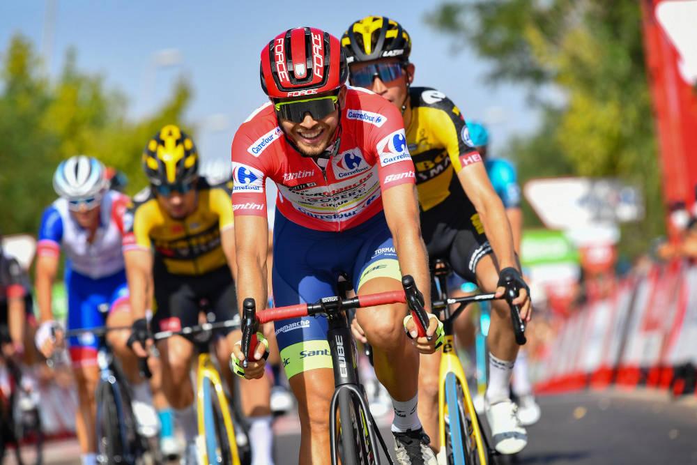 NY DAG I RØDT: Odd Christian Eiking fortsetter som leder av Vuelta a España, etter nok en sterk prestasjon. Foto: Cor Vos