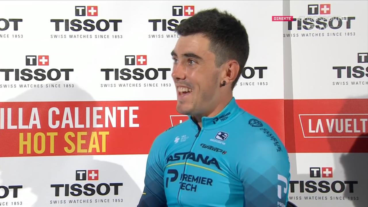 SMILTE TAPPERT: Alex Aranburu lå lenge an til å vinne den første etappen i Vuelta a España. Så kom Primoz Roglic. Foto: Skjermdump Discovery+