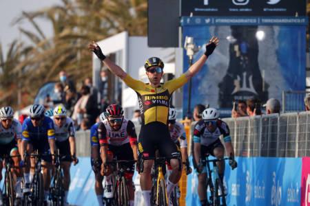 VANT: Wout van Aert triumferte på den første etappen av Tirreno-Adriatico. Foto: Cor Vos