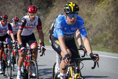 MESTERLIG: Wout van Aert gjorde en strålende jobb med å forsvare seg på Tirreno-Adriaticos kongeetappe. Foto: Cor Vos