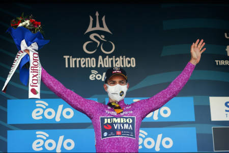 VANT: Wout van Aert smadret konkurrentene på tempoetappen i Tirreno-Adriatico. Foto: Cor Vos