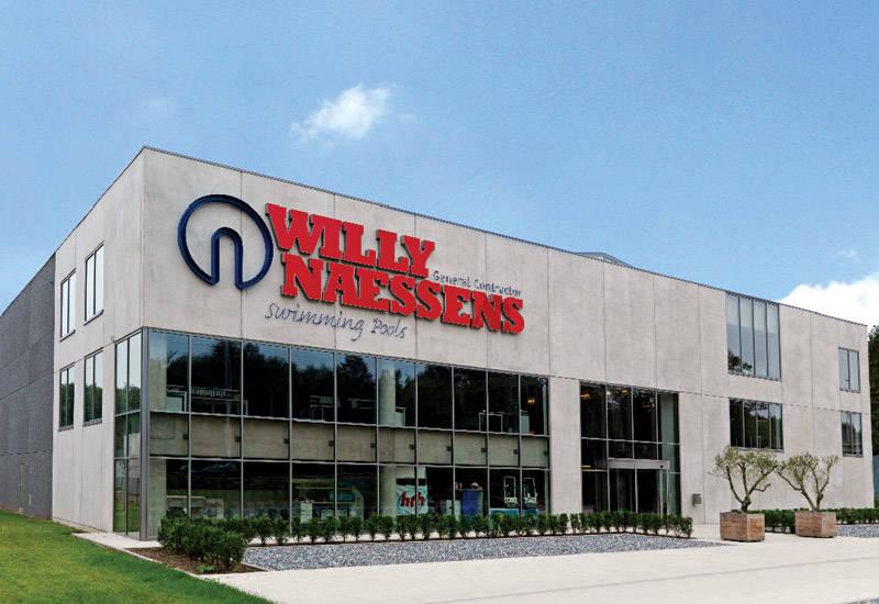 LANG HISTORIE: Willy Naessen svømmebasseng er en hovedsponsor av sykkelkross. Foto: WNG.
