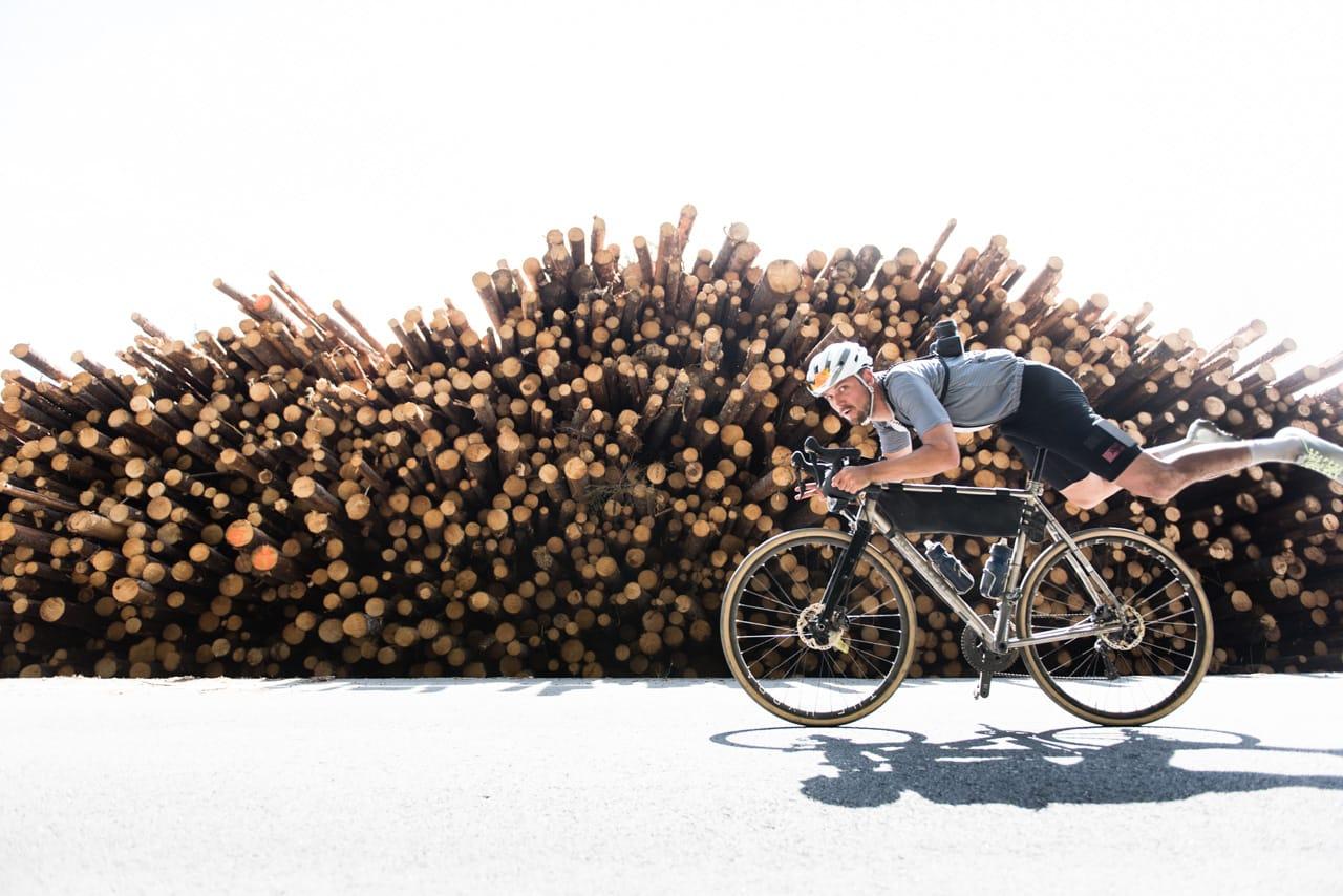 UT PÅ TUR: Marius Nilsen er en av de norske syklistene med flest turer på samvittigheten. Det er en glede å ha ham i studio! Foto: Henrik Alpers.
