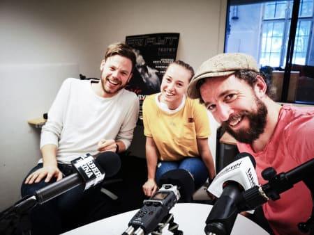 VELKOMMEN TIL 2019! Gjermund, Tavlejente Åshild Tovsrød og redaktøren sparker i gang 2019! Foto: Selfie.