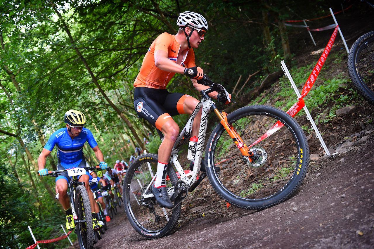 KNALLSTERK: Mathieu van der Poel er både terreng-, kross-, og landeveissyklist. Blir han en del av Radio Landeveis superlag? Foto: Cor Vos.
