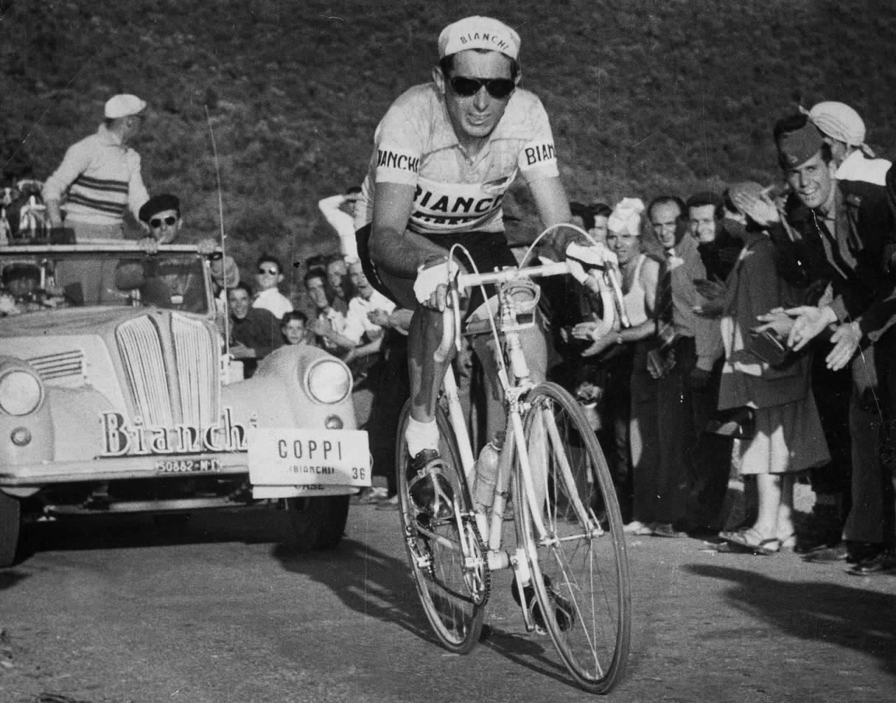 ikonet: Fausto Coppi gjorde sykkelcapsen populær blant både fans og syklister. Foto: Cor Vos.