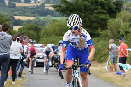Stine Borgli sykler Tørst Challenge