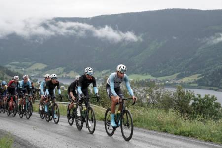 TOK KONTROLL: Team Coop syklet en god etappe og tok tilbake ledertrøyen i rittet. Foto: Jørgen Mo