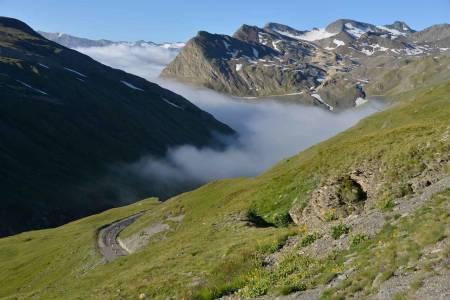 FROKOST: Dette er synet som venter deg når du når toppen av et fjell en tidlig morgen. Foto: Arrangøren.
