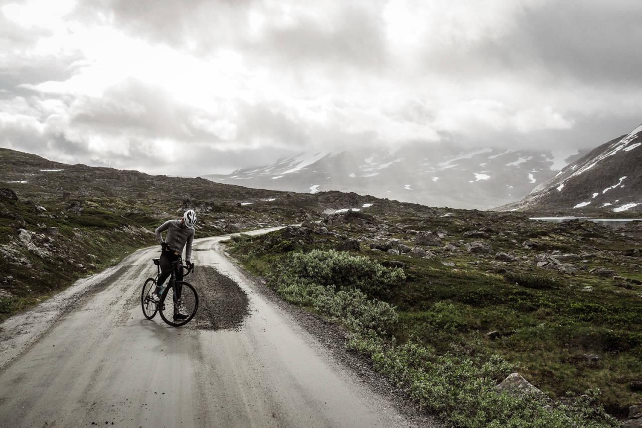 EN GAMMEL TURISTVEG: Den gamle veien over Strynefjell er en obligatorisk opplevelse for landeveissyklister.