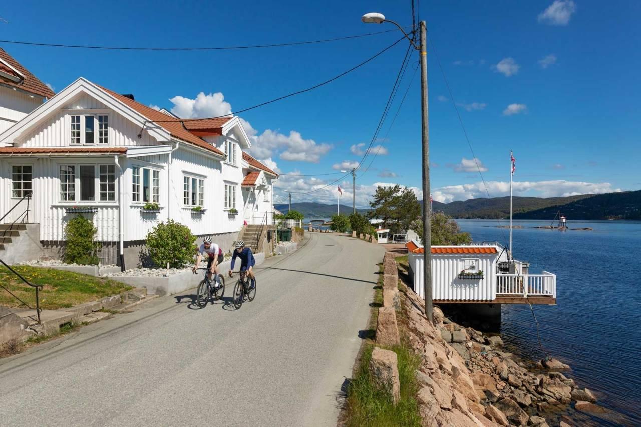 MUMMIHUS: De gamle trehusene ved Svelvik er det nærmeste en kommer sørlandsidyll på Østlandet.