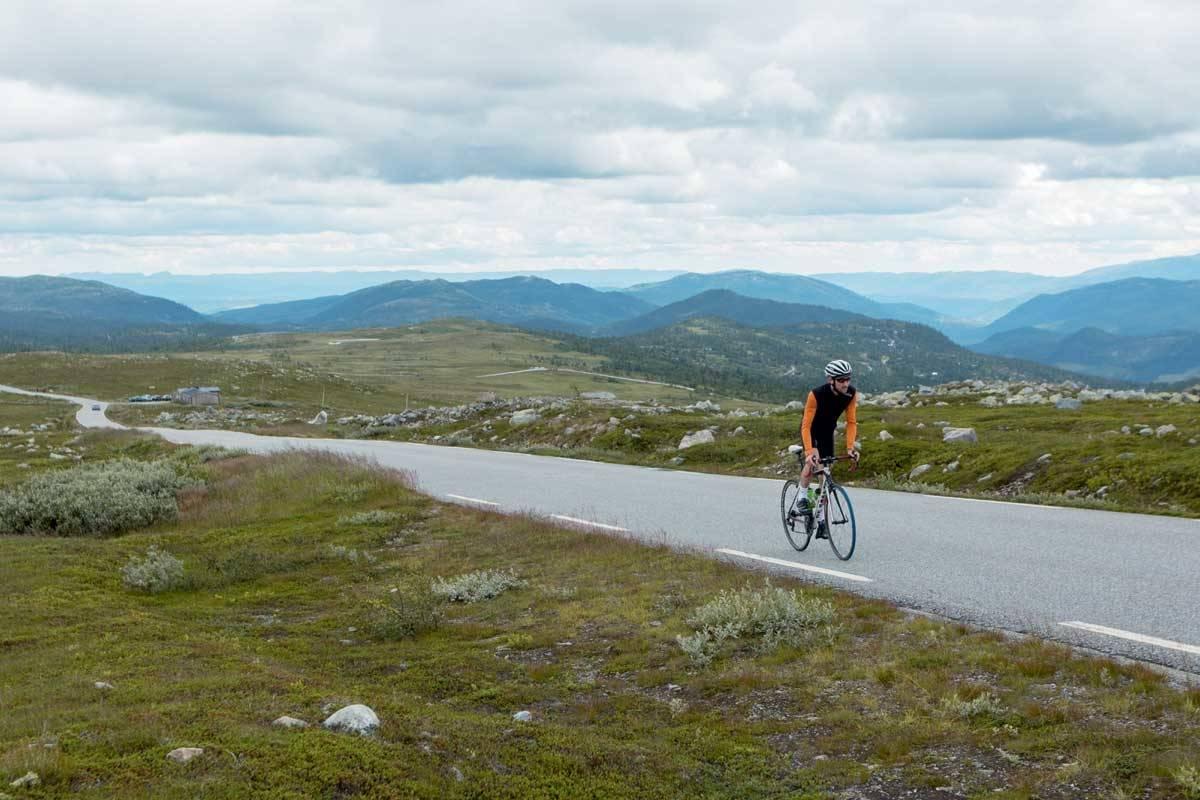 motbakkesykling motbakke bakkesykling landevei cycling Norge 71 bakker du må sykle i Norge fri flyt procycling gruppetto strava segment Tuddal Telemark