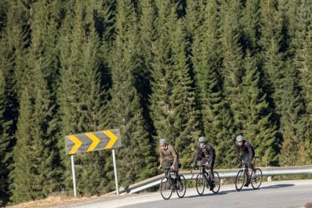 motbakkesykling motbakke bakkesykling landevei cycling Norge 71 bakker du må sykle i Norge fri flyt procycling gruppetto strava segment Lyngdal Kvåsbakken