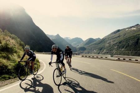 motbakkesykling motbakke bakkesykling landevei cycling Norge 71 bakker du må sykle i Norge fri flyt procycling gruppetto strava segment Ørnesvingen Ørnevegen Geiranger Fjord Hellesylt