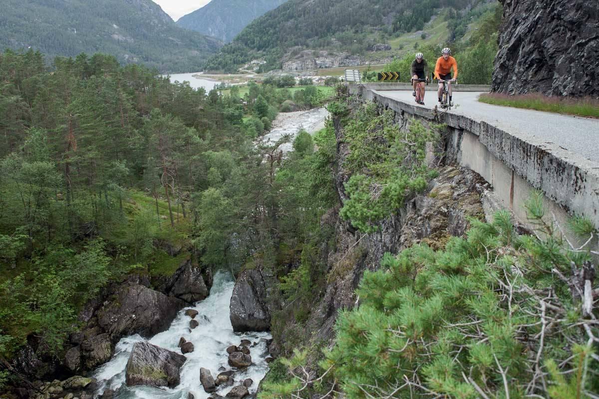 motbakkesykling motbakke bakkesykling landevei cycling Norge 71 bakker du må sykle i Norge fri flyt procycling gruppetto strava segment Rullestadjuvet Etne Vestland