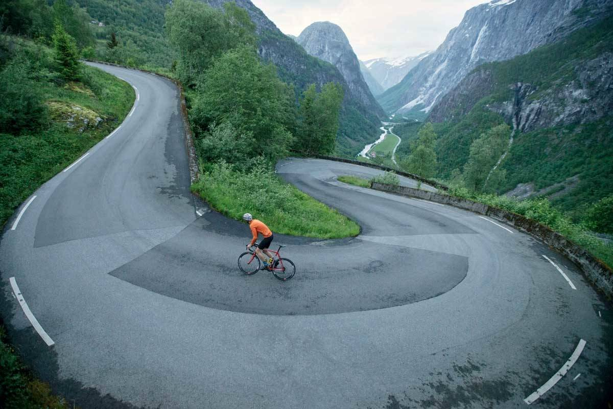 motbakkesykling motbakke bakkesykling landevei cycling Norge 71 bakker du må sykle i Norge fri flyt procycling gruppetto strava segment Voss Stalheim Stalheimskleivene