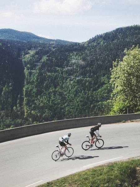 PÅ DEN ANNEN SIDE: Fra begge sider av dalen, skimter du avslutningen på turen. Foto: Colin Eick.