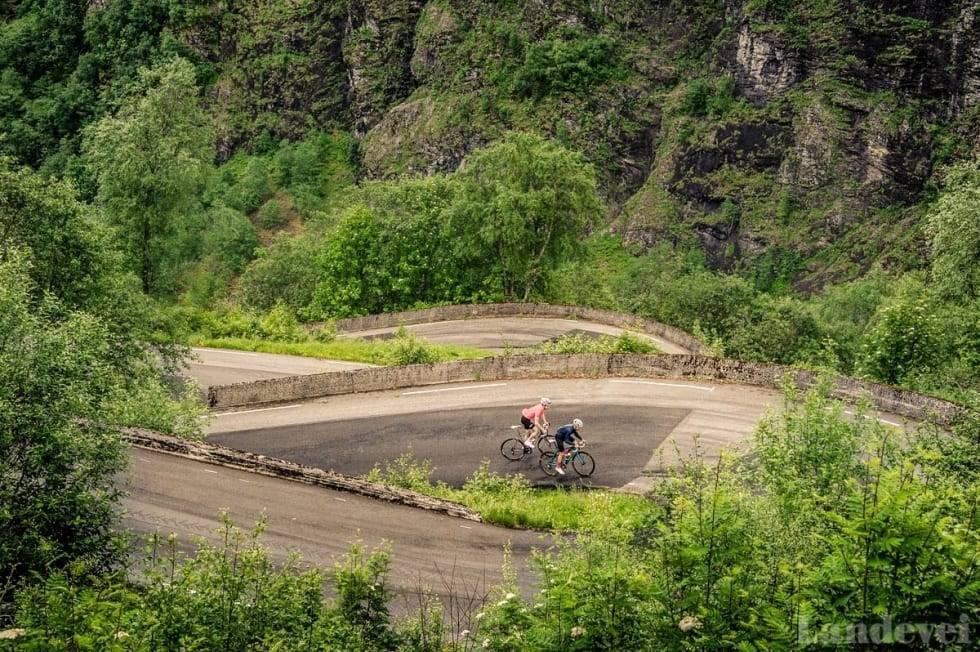 SYKLET FOR SISTE GANG? Stalheimskleiva er kanskje Norges bratteste bakke. Om den blir mulig å sykle igjen er usikkert. Foto: Henrik Alpers.