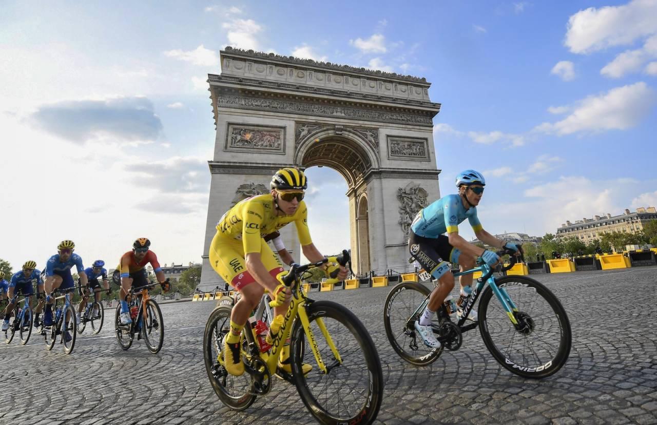 TOUR-VINNEREN: Tadej Pogacar og UAE Team Emirates sverger til italiensk, med Colnago og Campagnolo. Foto: Cor Vos