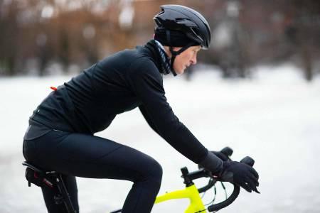 KLAR FOR SLUDD: Santini Vega Extreme er en varm jakke til sykling rundt frysepunktet. Foto: Kristoffer H. Kippernes