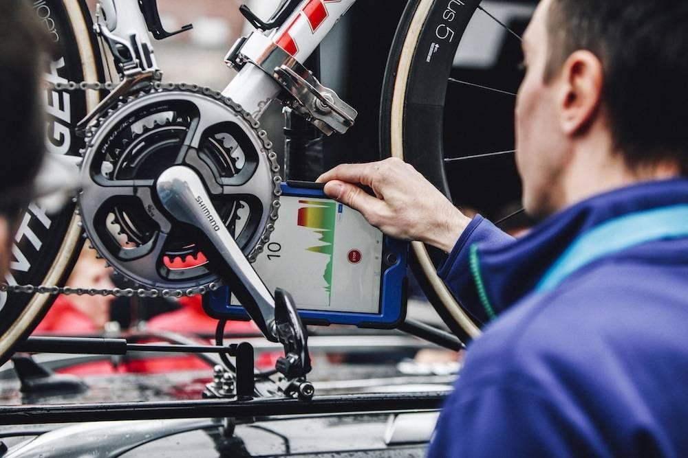 UTESTENGT: Tre utøvere fra Ungarn er utestengt for ulovlige motorer, i det første verdensmesterskapet i el-terrengsykling. Produsenten av motorene har vært involvert i motortrøbbel tidligere. Foto: UCI.