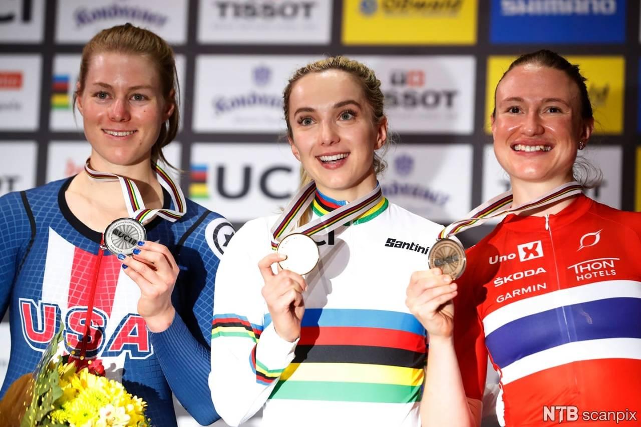 MEDALJØR: Anita Stenberg sikret Norges første VM-medalje på bane på 25 år. Foto: UCI.