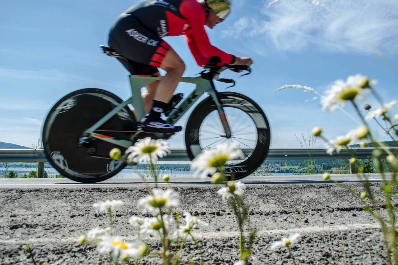 CHRONO DES ROJAN: I morgen arrangeres andre utgave av temporittet langs Randsfjorden, denne gang med klasser både for temposykler og landeveissykler. Foto: Rojan Rundfahrt