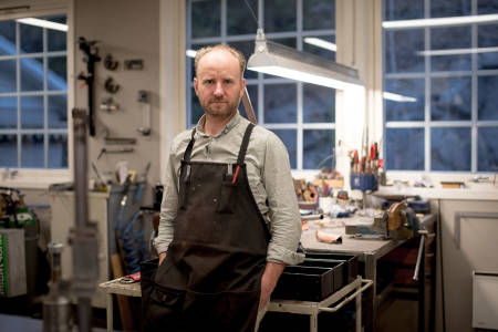 IKKE LENGER FULLTID: Truls Erik Johnsen vil fortsatt bygge rammer, men nå med betydelig redusert intensitet.