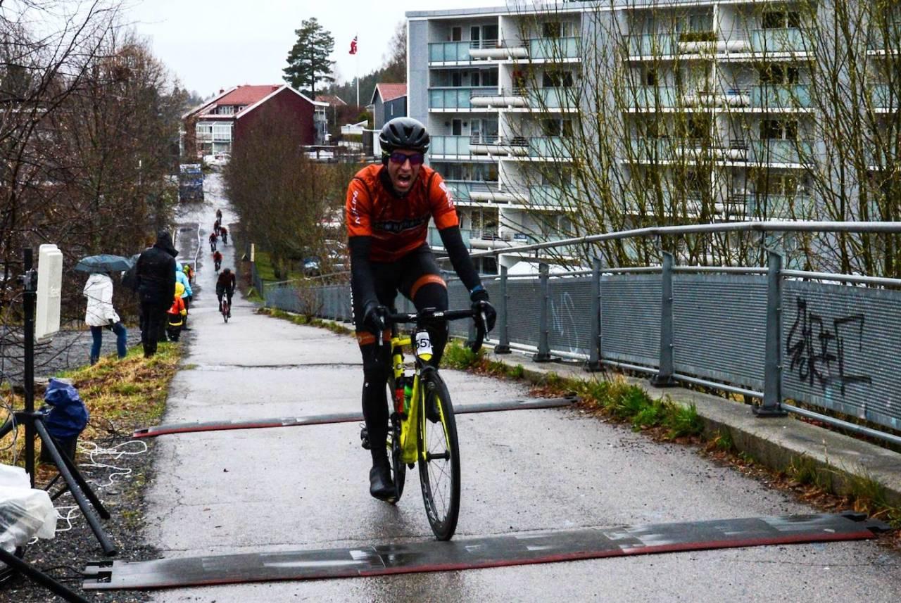 RASKEST: I fjor var Team Kjekkas raskest i Enebakk Rundt for tredje år på rad, men det sto om sekunder. Foto: Eirik Granly