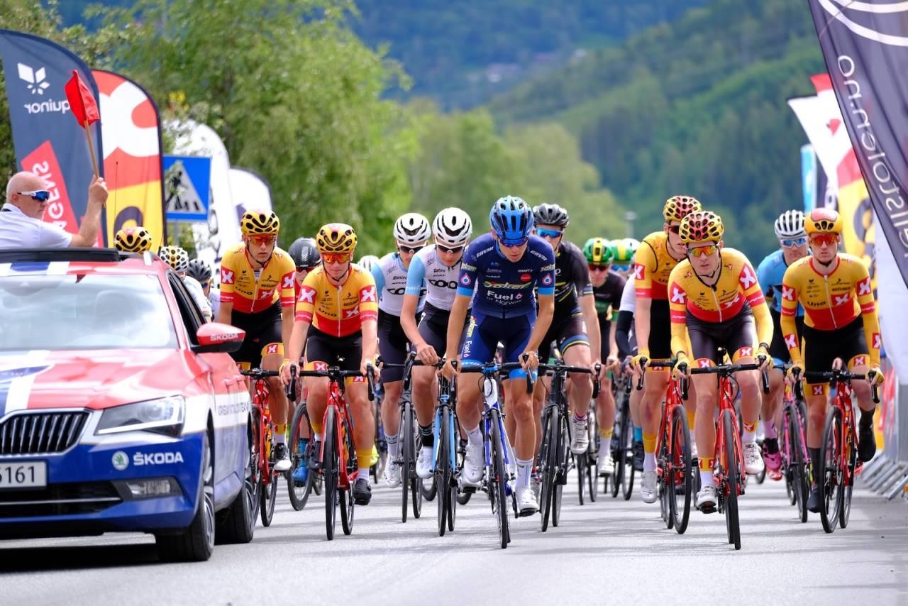 Søndag går fjerde runde i Norgescupen. Her fra fellesstarten for menn på siste etappe av Tour te Fjells i juli. Foto: Mikkel Skretteberg/sportsfoto.no