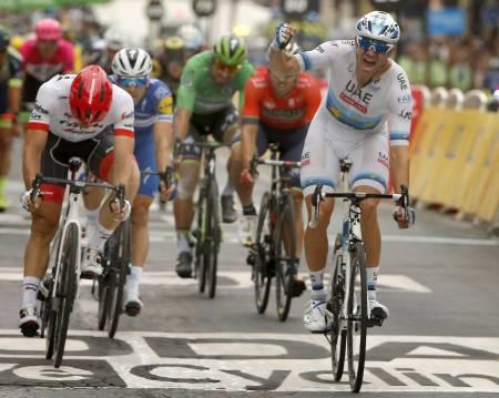 DRØMMEREPRISE?: En etappeseier til Alexander Kristoff vil gjøre årets Tour til en suksess for nordmannen, her fra seieren på Champs-Élysées i fjor. Foto: Cor Vos.