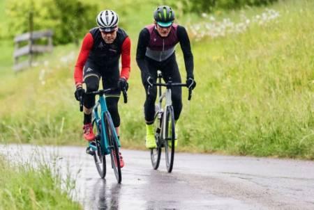 Cadel Evans og  Øyvind Aas på BMC Roadmachine