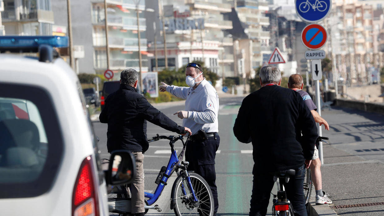 FORTSATT TRYGT: Du blir neppe bøtelagt via strava i Frankrike, heller ute på veien. Illustrasjonsfoto, police nationale.