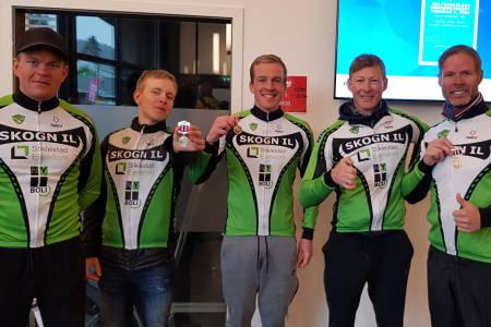 GJEV SEIER: Skogn IL vant lagkonkurransen i Victoriarunden, her ved fem av lagets ryttere: Håvard Garborg (fra venstre), Vidar Vikestad, Amund Solli, Brynjar Farstad og Lars Hjelde. Foto Privat