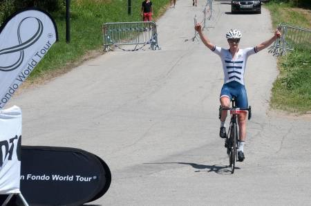 SUPERMANN: Jon Breivold har hatt en knallsesong og satte nesten ny KOM til Tryvann på tirsdag, her fra da han vant Triologi de Maurienne i fjor. Foto: Gran Fondo World Tour