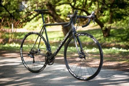 KLASSIKER:  Cannondale SuperSix EVO er blant sykkelbransjens mest velprøvde sykler. Skive-versjonen har det samme klassiske utseendet.