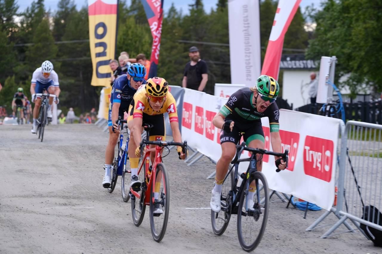 ENDELIG: Andreas Staune-Mittet fikk sin første Norgescup-seier i bursdagsgave, bare timer etter at lillebror Johannes Staune-Mittet hadde tatt sin første. Foto: Mikkel Skretteberg/Sportsfoto.no