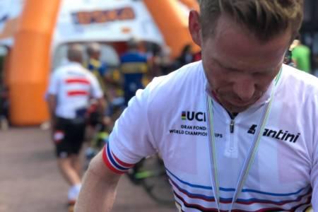 VERDENSMESTER: Fred Voldset kan knapt tro at VM-gullet på fellesstarten i Polen er et faktum. Foto: Stian Mjølnerød-Lie
