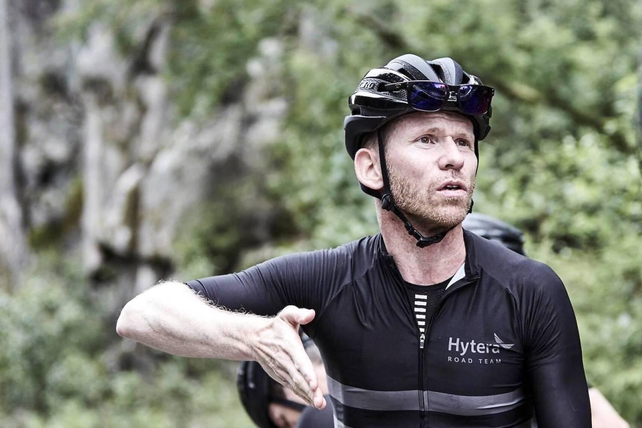 VANT VÄTTERNRUNDAN: Fred Voldset var en av ti ryttere som satt med helt til mål med det svenske prosjektlaget Serneke Allebike Racing Team på Vätternrundan sist lørdag. Foto: Pål Anders Thunæs