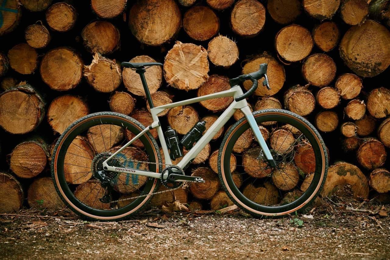 GROVT REDSKAP: BMC URS er en terrengsykkelinspirert grussykkel med allsidige egenskaper og et skarpt designuttrykk. Foto: Jérémie Reuiller