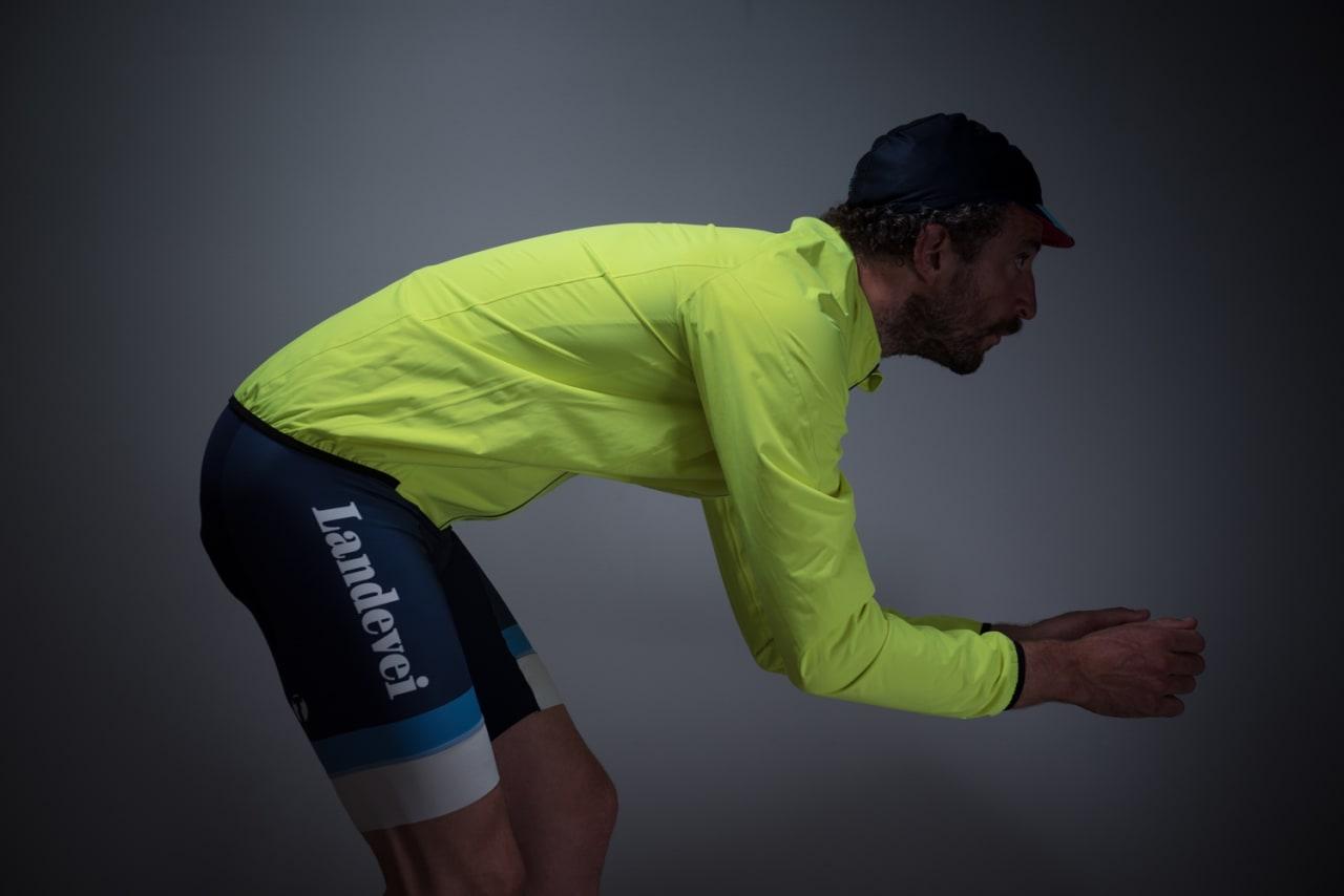 I ALL SIN ENKELHET: Nalinijakken er en enkel og rimelig jakke med sykkelsnitt. Om det ikke er for kaldt og du skal sykle ritt, kan denne være en god løsning.