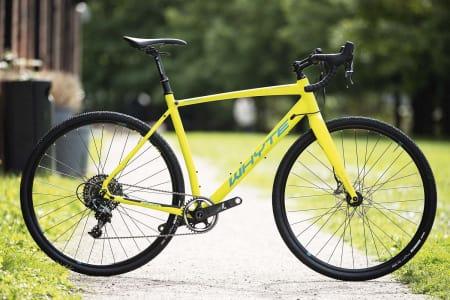 REKORDLANG: Whyte Gisburn har lengre ramme enn noen av de andre syklene i testen. Stabiliteten er enorm.